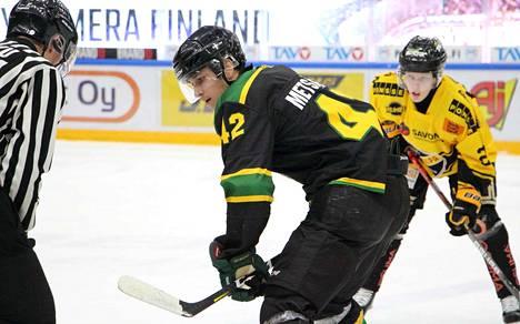 Alempaa jatkosarjaa johtavan Ilveksen Verneri Metsänen (42) komeilee viiden ottelun jälkeen pistepörssin kärkijoukoissa tehoilla 2+7=9.
