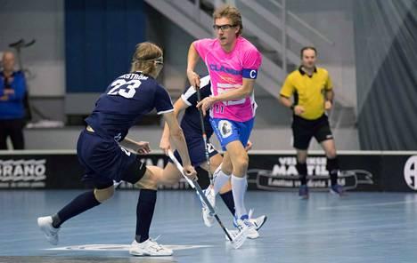 Eerik Lindénin Classic ylsi salibandyn A-poikien SM-runkosarjan kolmoseksi, Roope Wikströmin (23) Nokian KrP jäi puolestaan kevään yhdeksänneksi. Jatkossa liiton tiedotteiden myötä selviää muun muassa, jaetaanko kauden mitalit runkosarjan sijoitusten mukaisesti.