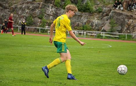 Ilveksen junioripolulla komeasti edennyt Luca Berg ja joukkuetoverit olivat 20-vuotiaiden SM-karsinnoissa kovassa vauhdissa kauden keskeytyessä.