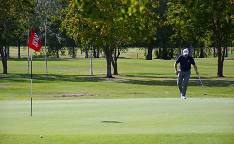 Tammer-Golfin kentällä on näihin viime kauden kauniisiin väreihin vielä muutama hetki aikaa, mutta hiljaa hyvä tulee.