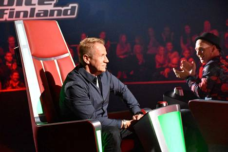 Olli Lindholmin tuoli jää tyhjäksi The Voice of Finland -tv-ohjelmassa.