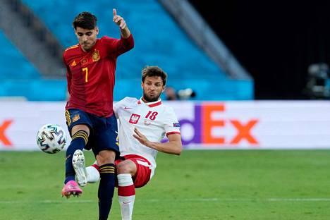 Alvaro Morata teki maalin, mutta Espanja jäi tasapeliin Bartosz Bereszynskin Puolan kanssa.