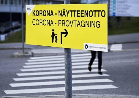 Korona-näytteenotto Meilahden sairaala-alueella Helsingissä 10. syyskuuta 2021.