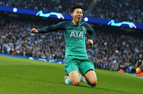 Tottenhamin Son Heung-min tuuletti maalia ja hämmästeli hullua ottelua. Tottenham kohtaa Mestarien liigan välierissä Ajaxin.