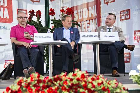 Puttonen on tuttu näky erilaisissa talousaiheisissa keskusteluissa. Kuva kesältä 2015 Porin Suomi-areenasta.