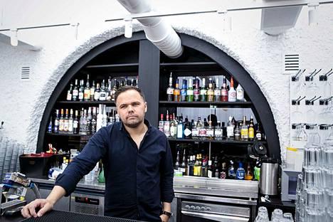 Fondiksen ravintoloiden vt. toimitusjohtaja Markus Apuli Vaasasta uskoo, että mietojen viinien ulosmyynnillä olisi alalle merkitystä. Asiakkaat, varsinkin turistit, kyselevät viinipullojen myymisestä aika ajoin.
