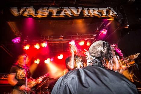 Tiistaina Vastavirta-klubilla esiintynyt Riistetyt-yhtye on osa suomalaista ja tamperelaista punk-historiaa. Yhtye on keikkaillut vuodesta 1981 ja tehnyt useita maailmankiertueita.