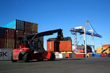 Koronavuosi koetteli Rauman satamaliikennettä. Tavaraliikenteen tonnit vähenivät lähes 14 prosenttia verrattuna vuoteen 2019.