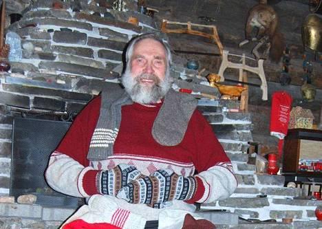 Hiihtäjämestari Juha Mieto tajusi villasukkajuoksun hienouden jo 50 vuotta sitten. Villasukkia riittää kulutettavaksi, sillä Mieto saa vuosittain kymmeniä pareja faneilta lahjaksi.