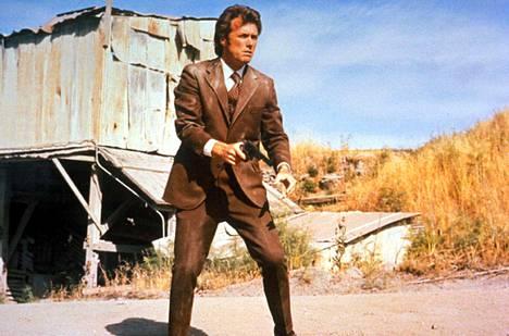 Myös Clint Eastwoodin Dirty Harry asetettiin kovimpaan veroluokkaan vuonna 1987. Elokuva oli kriitikkojen makuun vielä liian raaka.