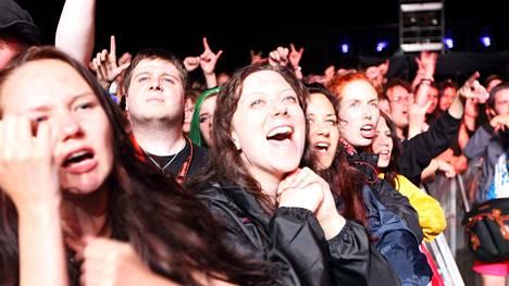 Nightwishin fanit suhtautuvat tunteella bändiin.