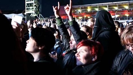 Nightwish veti Himoksen kentän aivan täyteen yleisöä.