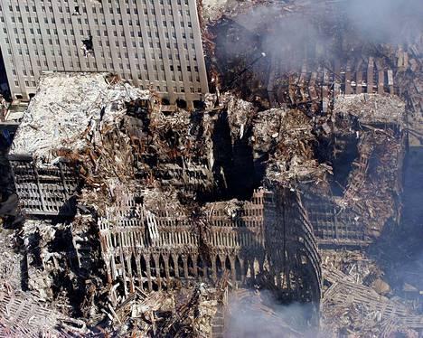 WTC-tornien rauniot 15 vuotta sitten. Kuva: ZUMA24/Eric J. Tilford