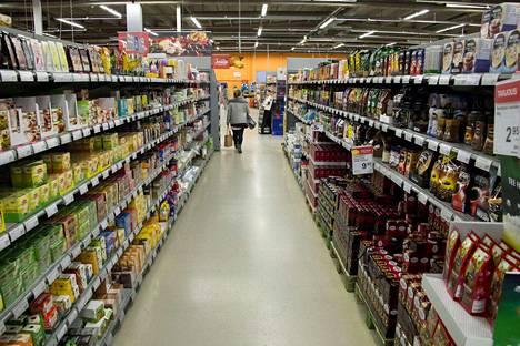 Kaupan liiton selvityksen mukaan viikonloppuisin kaupassa asioivat näyttävät olevan kaikkein tyytyväisimpiä vapaisiin aukioloihin.