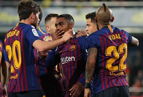 La Ligaa johtava Barcelona kohtaa kotonaan toisena olevan Atletico Madridin, joka on voittanut Barcan vieraissa viimeksi 2006.