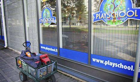 Tampereen kaupunki siirsi syyskuun alussa yli 60 lasta pois yksityisestä päiväkodista, jonka toiminnan Länsi- ja Sisä-Suomen aluehallintovirasto määräsi keskeytettäväksi.