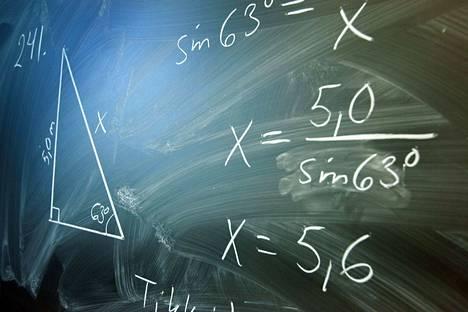 Nelosluokalla opiskelevien poikien matematiikkataidot ovat heikentyneet. Kuvituskuva.