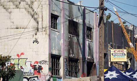 Varastorakennuksessa oli palon syttyessä noin sata ihmistä. Viimeisten tietojen mukaan 36 kuoli.
