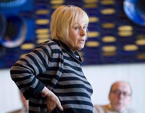 Riitta Koskisen esityksestä kaupunginhallituksen suunnittelujaosto päätti kuusi vuotta sitten, että Näsinkallion eritasoliittymän suunnittelu merkitään vain tiedoksi. Esitys nojasi XL-ryhmän tekemään linjaukseen.