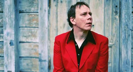 Tero-Petri Suovanen tuli 1990-luvun alkupuolella tutuksi Limonadi Elohopea -yhtyeen laulajana.
