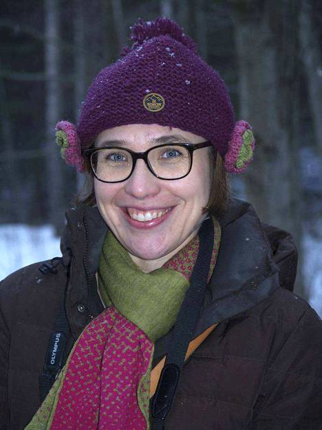 Projektijohtaja Laura Tahkokallio emännöi kansainvälistä joukkoa.