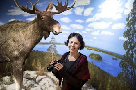 Lempääläläinen kirjailija Kirsti Kuronen tuntee lajit niin luonnossa kuin kirjallisuudessa.