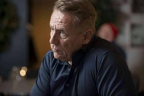 Olli Lindholm kieltäytyi, kun häntä pyydettiin mukaan Vain elämää -ohjelman ensimmäiselle kaudelle.