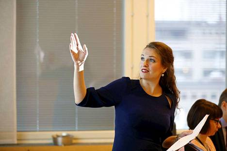 Anna-Kaisa Ikosella ei ole vielä tietoa siitä, mitä hän alkaa tehdä pormestarikauden päätyttyä, mutta hän ei poissulje vaihtoehtoja esimerkiksi yrityselämässä. Sen hän sanoo, että apulaispormestarin tehtävä ei tunnu nyt kiinnostavalta.