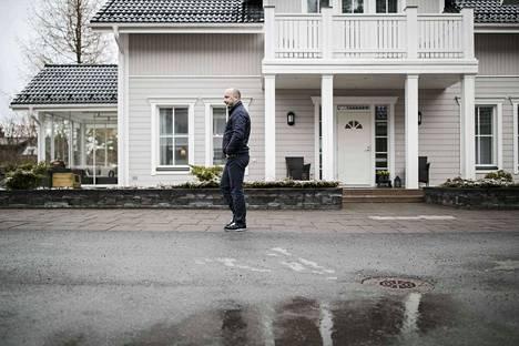 Hannu Peltosen perheen omakotitalo valmistui Niemen alueelle vuonna 2012. Alueen arvostuksen uskotaan nousevan, jos ratikka rakennetaan Lentävänniemeen asti vuosina 2021–2024.