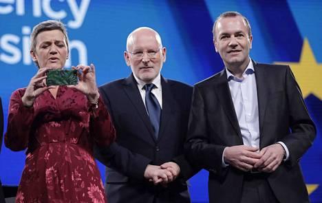 Onko joku heistä EU-komission tuleva puheenjohtaja? Vasemmalta liberaalien Margarethe Vestager, sosiaalidemokraattien Frans Timmermans ja keskustaoikeiston Manfred Weber.