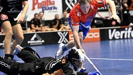 Classicin kenttäpelaaja Krister Savonen loukkaantui Espoossa. Kuva viime kaudelta.