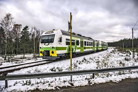 Puolustusvoimien ajoneuvo ja kiskobussi kolaroivat pari vuotta sitten Raaseporissa sijaitsevassa Skogbyn tasoristeyksessä, jota pidetään vaarallisena.