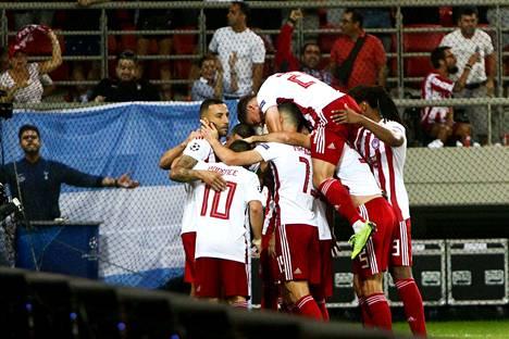 Olympiakos nousi kahden maalin takaa tasapelipisteeseen.