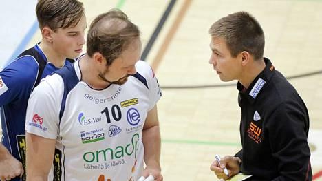 Vilppulan Tähden kasvatti Voitto Köykkä (vasemmalla) pelaa nykyisin Akaa-Volleyssa.