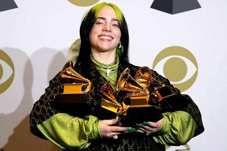18-vuotias Billie Eilish voitti useamman Grammy-palkinnon.
