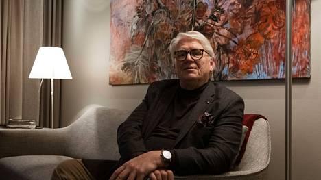 Filosofian tohtori, toimittaja ja kirjailija Lasse Lehtinen on toinen Salaista sotaa -kirjan kirjoittajista. Hänet kuvattiin kotonaan Töölössä vuonna 2020.