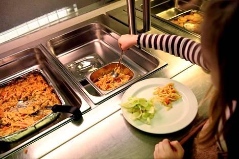 Päiväkoti-ikäisten lasten ruokavaliossa liha- ja maitotuotteet ovat Helsingin yliopiston tutkimuksen mukaan korostuneessa roolissa.