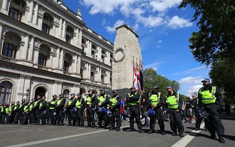 Mielenosoituksia on järjestetty ympäri maailmaa George Floydin kuoleman jälkeen.
