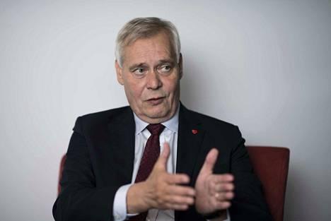 Pääministeri Antti Rinne asetti Savonlinnan elinvoimapaketin ehdoksi sen, ettei erikoissairaanhoitoa saa ulkoistaa yksityiselle toimijalle.