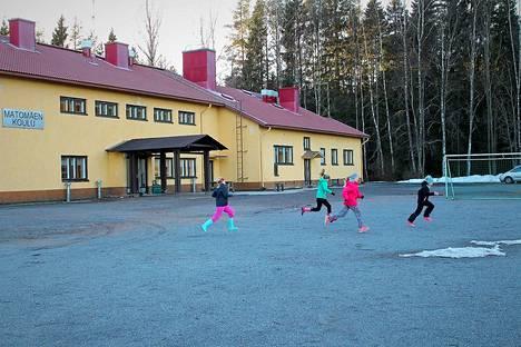 Pelastuslaitos hälytettiin Matomäen koululle torstaiaamuna kello 8.39.