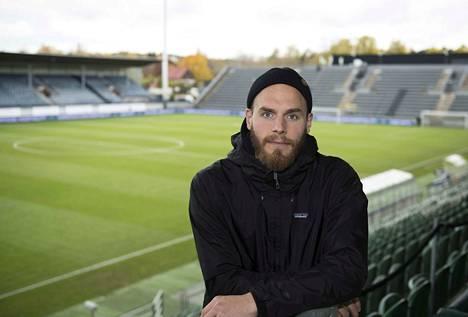 Timo Furuholm on Interin hyökkääjä ja joukkueen kapteeni. Lauantain tällä Kupittaan stadionilla ratkaistaan jalkapallon Suomen mestaruus.