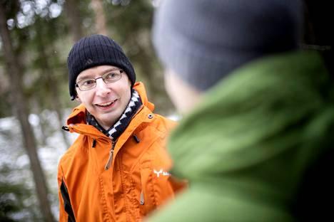 – Omassa metsässä kannattaa käydä aika ajoin katsomassa. Ja sinne voi pyytää asiantuntijan mukaan antamaan vähän toista näkökulmaa, Kalle Lempinen muistuttaa. Metsä Groupin metsäasiantuntijoiden tilakäynnit ovat maksuttomia.