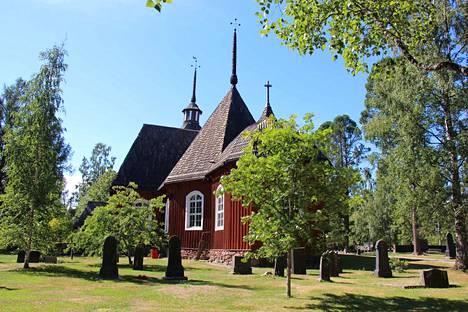 Opastettuja kierroksia ryhmille ei järjestetä, mutta muutoin vanhaan kirkkoon pääsee tutustumaan kesällä 2020.