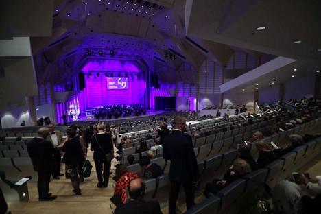 Tampereen yliopiston virallisissa avajaisissa nähtiin muun muassa juhlakulkue, musiikkia sekä Linda Liukkaan puhe.