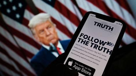 Yhdysvaltain ex-presidentti Donald Trump suunnittelee perustavansa oman sosiaalisen median palvelun.