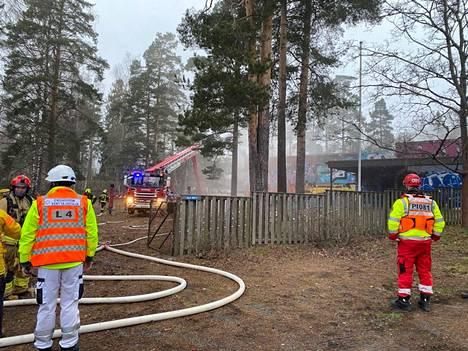 Hälytyksen kohde Ruskeepäänkadulla on Koskenmäen entinen päiväkoti.
