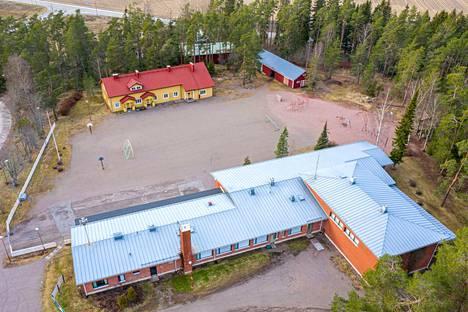 Hinnerjoen koulun vanhempainyhdistys laati kattavan säästöselvityksen kunnalle.
