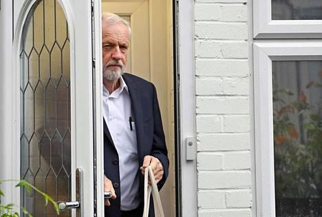Työväenpuolueen johtaja Jeremy Corbyn ei halua uusia vaaleja, koska niissä mitataan myös hänen kannatuksensa,