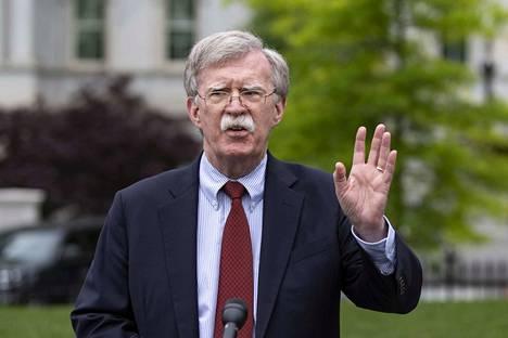 John Bolton joutui Donald Trumpin strategisen päämäärätiedottomuuden sylkykupiksi, arvioi Ulkopoliittisen instituutin ohjelmajohtaja Mika Aaltola.