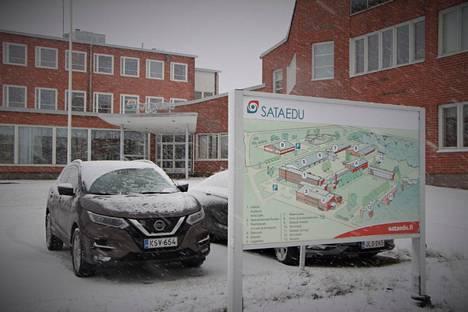 Sataedun Kokemäen toimipisteen autoalan opiskelijat siirtyivät lyhyellä varoitusajalla etäopiskeluun.